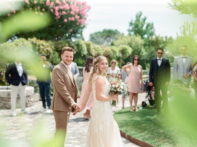 Le mariage de Maxime et Laure à Saint-Médard-d'Eyrans, Gironde 24