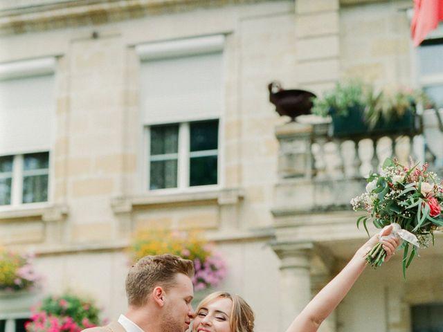Le mariage de Maxime et Laure à Saint-Médard-d'Eyrans, Gironde 32