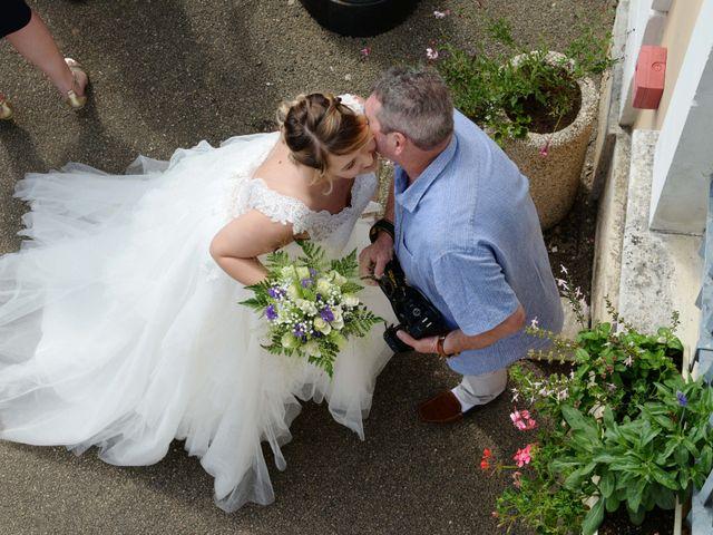 Le mariage de Corentin et Laurine à Bussy-en-Othe, Yonne 11