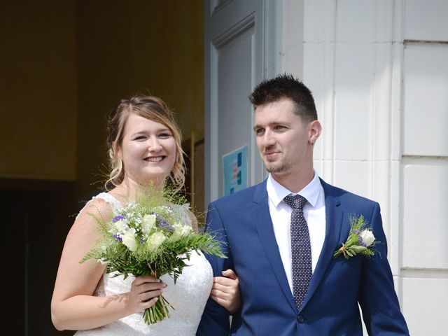 Le mariage de Corentin et Laurine à Bussy-en-Othe, Yonne 25