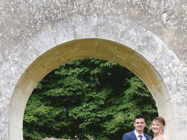 Le mariage de Corentin et Laurine à Bussy-en-Othe, Yonne 32