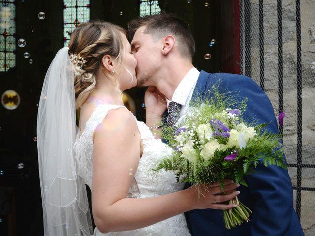 Le mariage de Corentin et Laurine à Bussy-en-Othe, Yonne 44