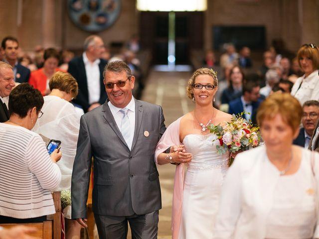 Le mariage de Jérôme et Sabrina à Elven, Morbihan 59
