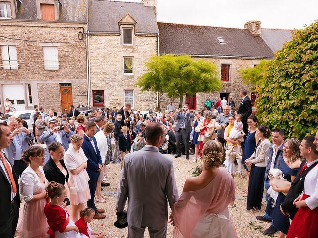 Le mariage de Jérôme et Sabrina à Elven, Morbihan 84
