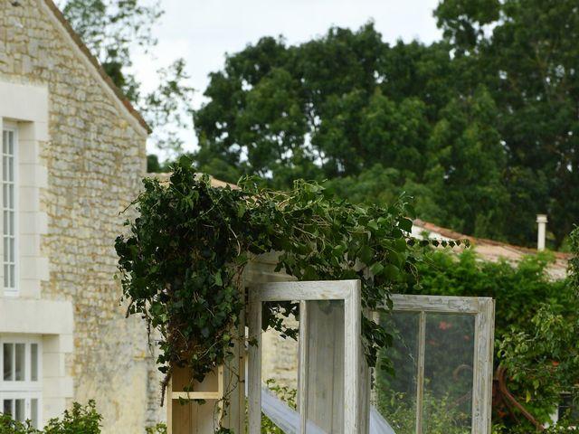 Le mariage de Steve et Amandine à Benon, Charente Maritime 16
