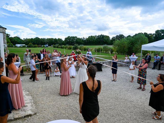 Le mariage de Steve et Amandine à Benon, Charente Maritime 51