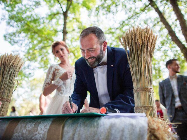 Le mariage de Nicolas et Elodie à Chalais, Charente 24