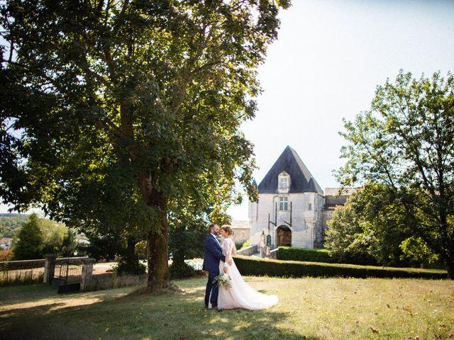 Le mariage de Nicolas et Elodie à Chalais, Charente 45