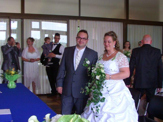 Le mariage de Gregory et Marie-Lyne à Conches-en-Ouche, Eure 8