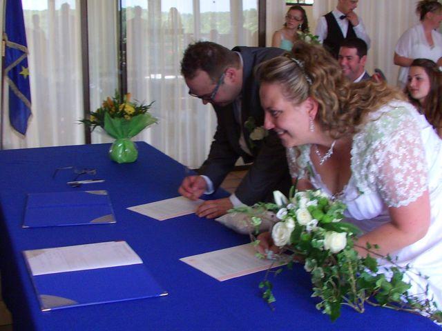 Le mariage de Gregory et Marie-Lyne à Conches-en-Ouche, Eure 10