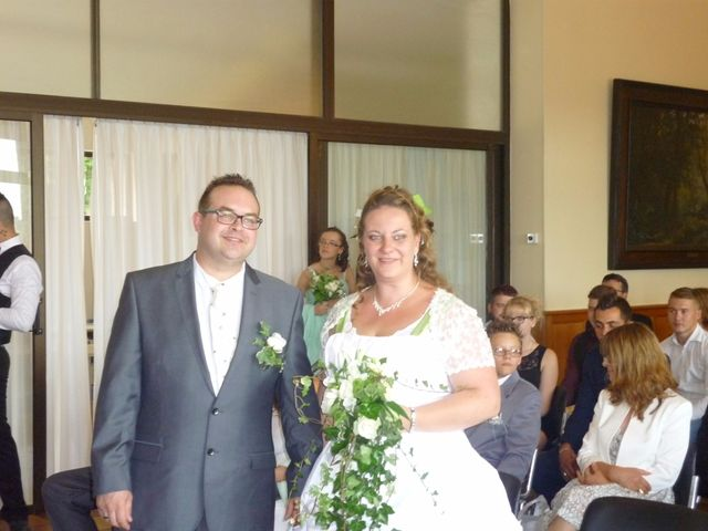 Le mariage de Gregory et Marie-Lyne à Conches-en-Ouche, Eure 21