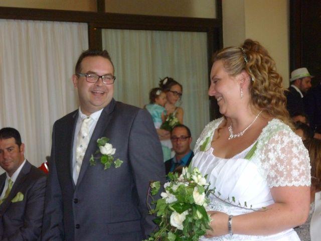 Le mariage de Gregory et Marie-Lyne à Conches-en-Ouche, Eure 22