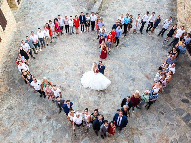 Le mariage de Julien et Morgane à Villefranche-de-Panat, Aveyron 42