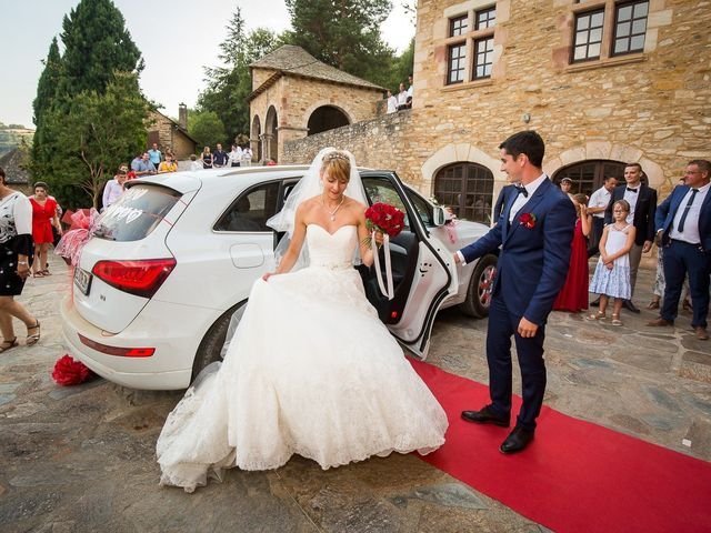 Le mariage de Julien et Morgane à Villefranche-de-Panat, Aveyron 51