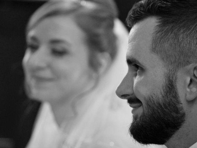 Le mariage de Rémy et Naomi à Saint-Martin-de-Mailloc, Calvados 15
