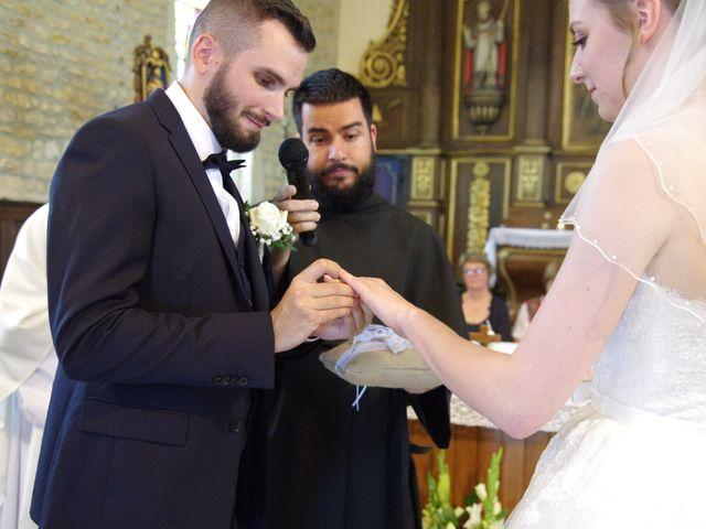 Le mariage de Rémy et Naomi à Saint-Martin-de-Mailloc, Calvados 17