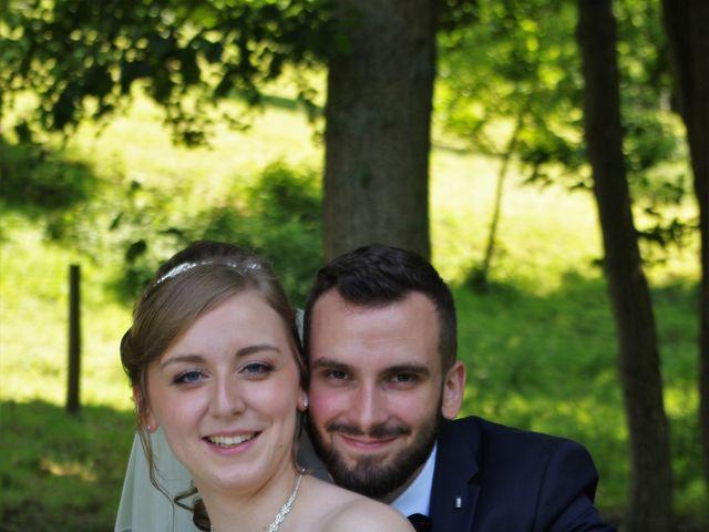 Le mariage de Rémy et Naomi à Saint-Martin-de-Mailloc, Calvados 24
