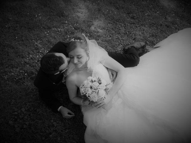 Le mariage de Rémy et Naomi à Saint-Martin-de-Mailloc, Calvados 25