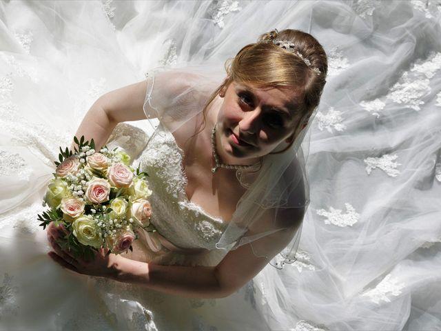 Le mariage de Rémy et Naomi à Saint-Martin-de-Mailloc, Calvados 27