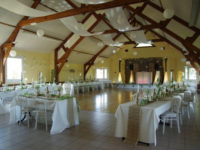 Le mariage de Rémy et Naomi à Saint-Martin-de-Mailloc, Calvados 32