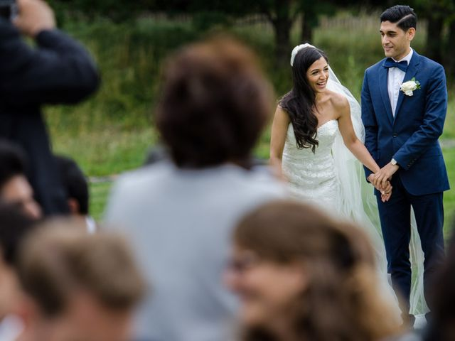 Le mariage de Nima et Mélody à Chambon-sur-Lac, Puy-de-Dôme 16