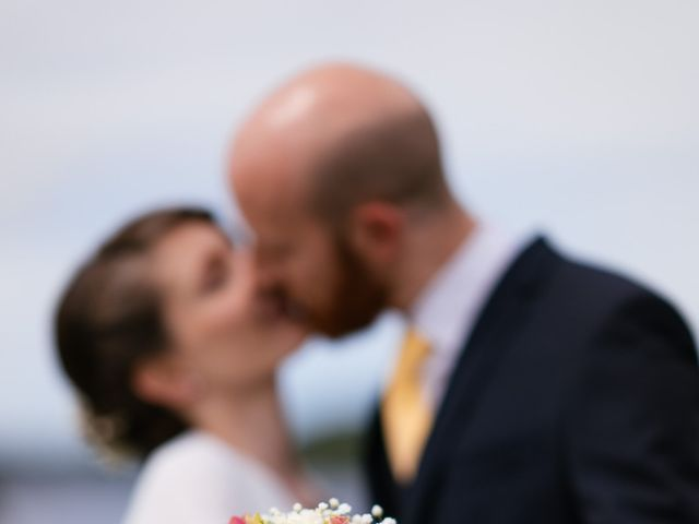 Le mariage de Baptiste et Laetitia à Camoël, Morbihan 9