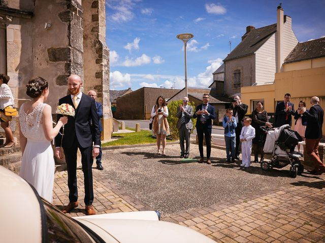 Le mariage de Baptiste et Laetitia à Camoël, Morbihan 24