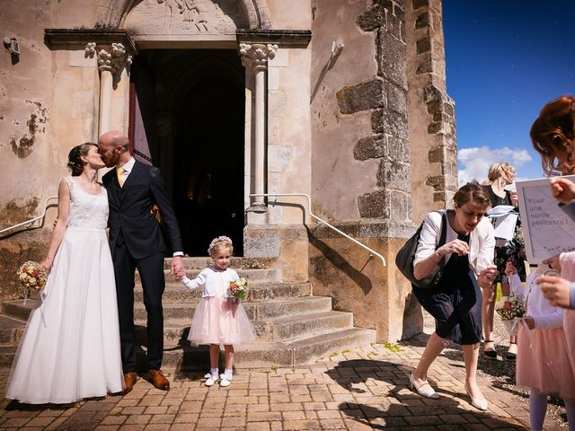 Le mariage de Baptiste et Laetitia à Camoël, Morbihan 46