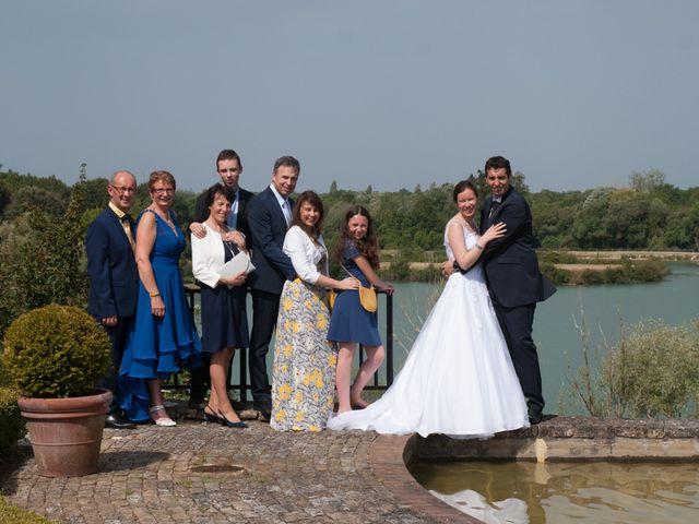 Le mariage de Stéphane et Sophie à Romegoux, Charente Maritime 39