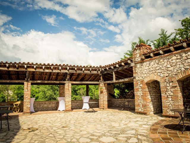 Le mariage de Thomas et Tatiana à Lavaur, Tarn 16