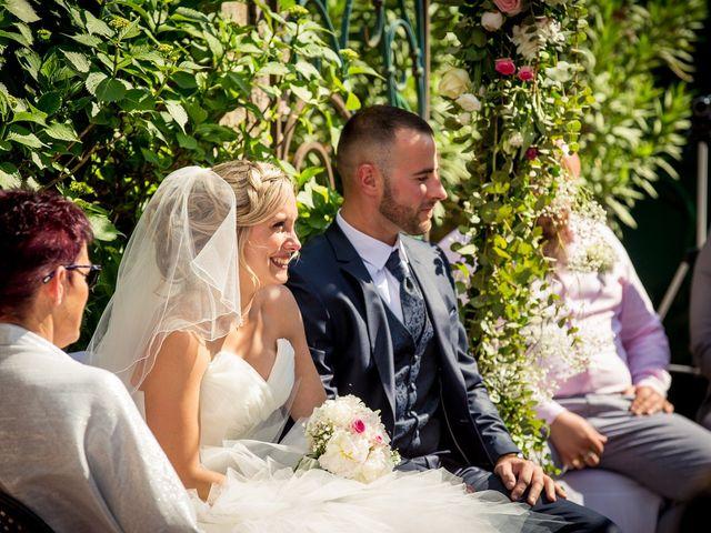 Le mariage de Thomas et Tatiana à Lavaur, Tarn 23
