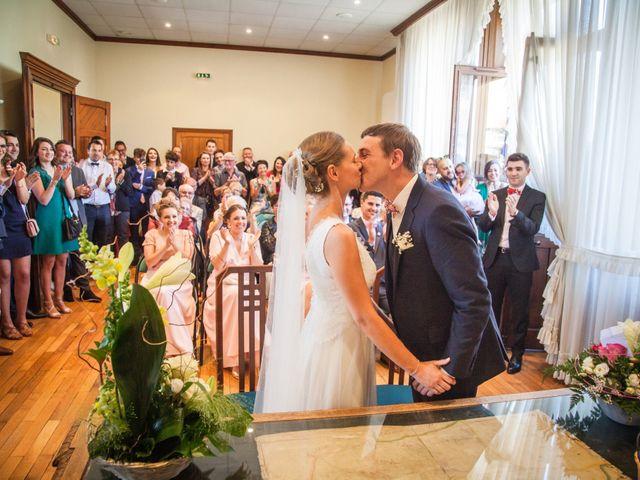 Le mariage de Arthur et Elodie à Saint-Galmier, Loire 16