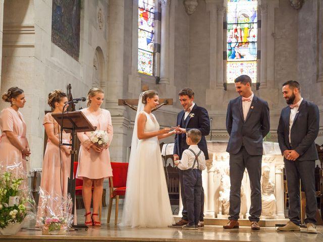 Le mariage de Arthur et Elodie à Saint-Galmier, Loire 24