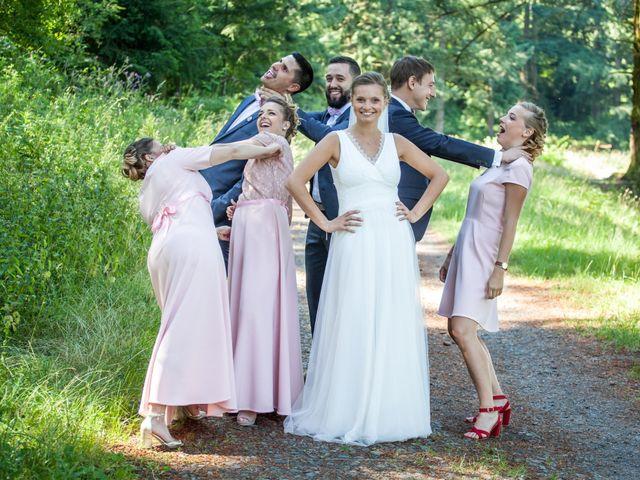 Le mariage de Arthur et Elodie à Saint-Galmier, Loire 25