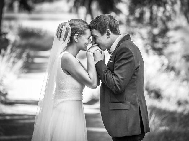 Le mariage de Arthur et Elodie à Saint-Galmier, Loire 28