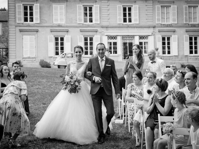 Le mariage de Bastien et Gaelle à Saint-Lager, Rhône 15