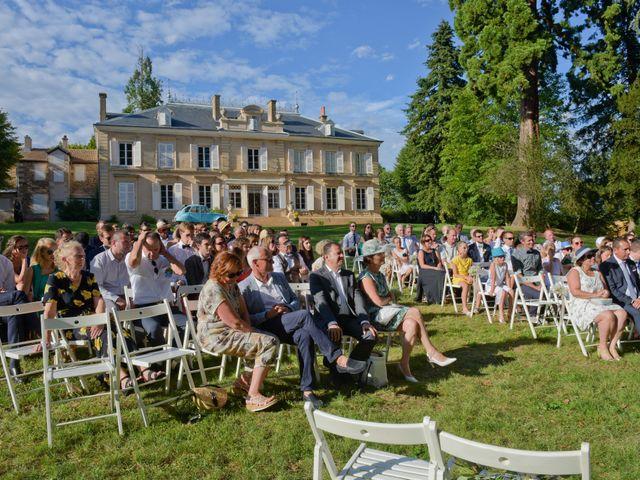 Le mariage de Bastien et Gaelle à Saint-Lager, Rhône 23