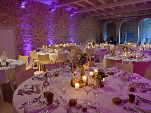 Le mariage de Bastien et Gaelle à Saint-Lager, Rhône 33