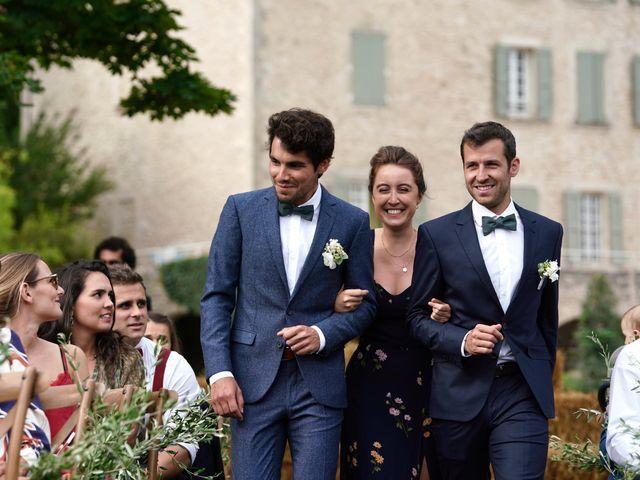 Le mariage de Thomas et Margaux à Saint-Martin-de-Castillon, Vaucluse 15