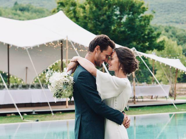 Le mariage de Thomas et Margaux à Saint-Martin-de-Castillon, Vaucluse 27