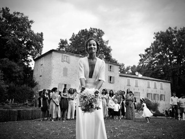 Le mariage de Thomas et Margaux à Saint-Martin-de-Castillon, Vaucluse 31