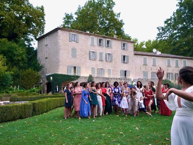 Le mariage de Thomas et Margaux à Saint-Martin-de-Castillon, Vaucluse 32