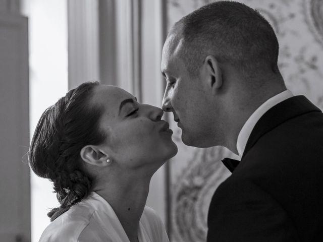 Le mariage de John et Elodie à Tuffé, Sarthe 25