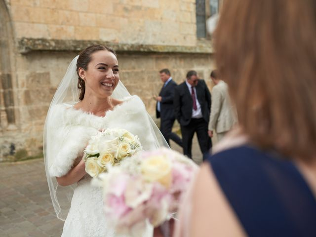 Le mariage de John et Elodie à Tuffé, Sarthe 35