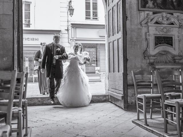 Le mariage de John et Elodie à Tuffé, Sarthe 39