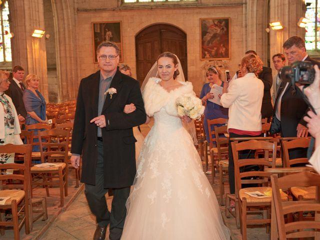 Le mariage de John et Elodie à Tuffé, Sarthe 41