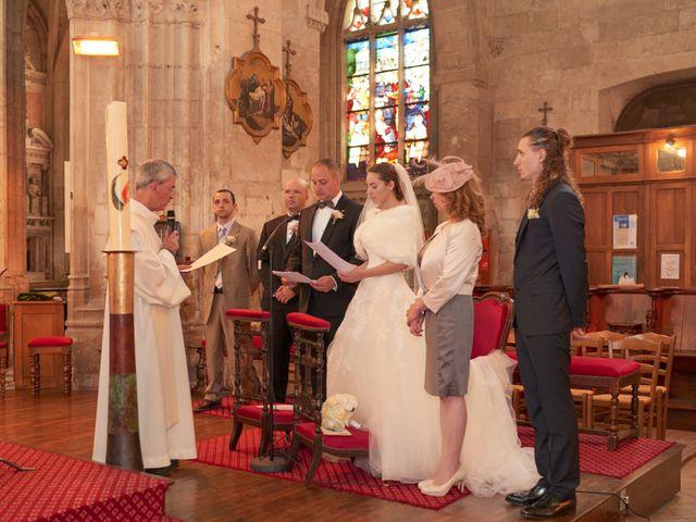 Le mariage de John et Elodie à Tuffé, Sarthe 45