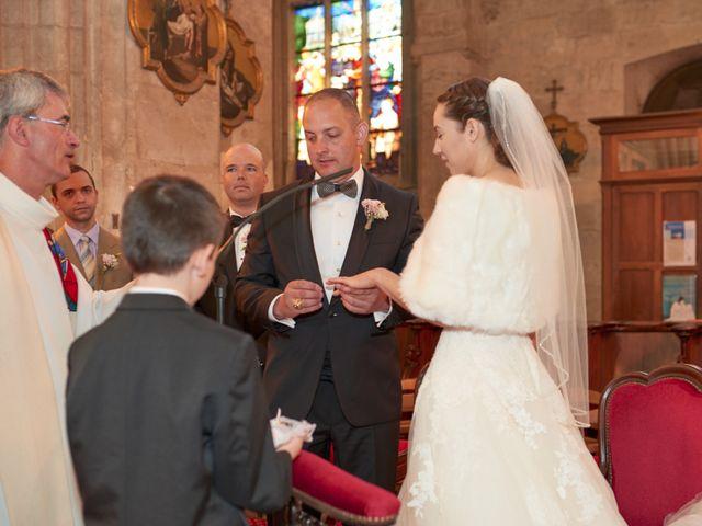 Le mariage de John et Elodie à Tuffé, Sarthe 47