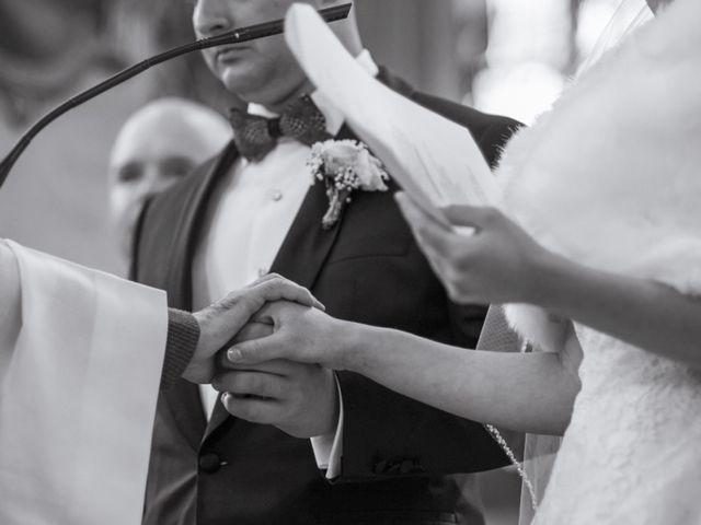 Le mariage de John et Elodie à Tuffé, Sarthe 48