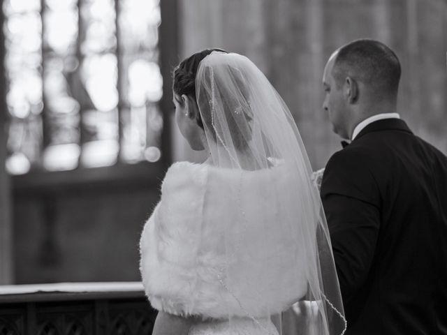 Le mariage de John et Elodie à Tuffé, Sarthe 50